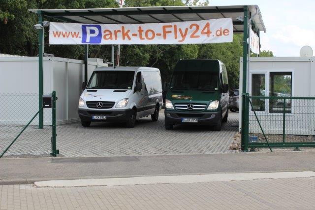 Parkplatz Flugplatz Leipzig, Park-to-Fly24, unsere Shuttle.